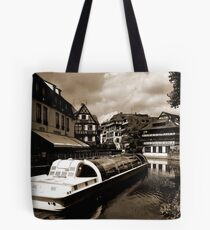 Manoeuvre du Temps Tote Bag