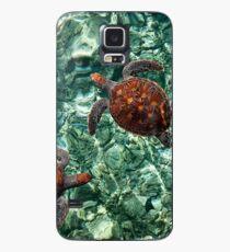 Fragile Underwater World. Sea Turtles in a Crystal Water. Maldives Hülle & Klebefolie für Samsung Galaxy