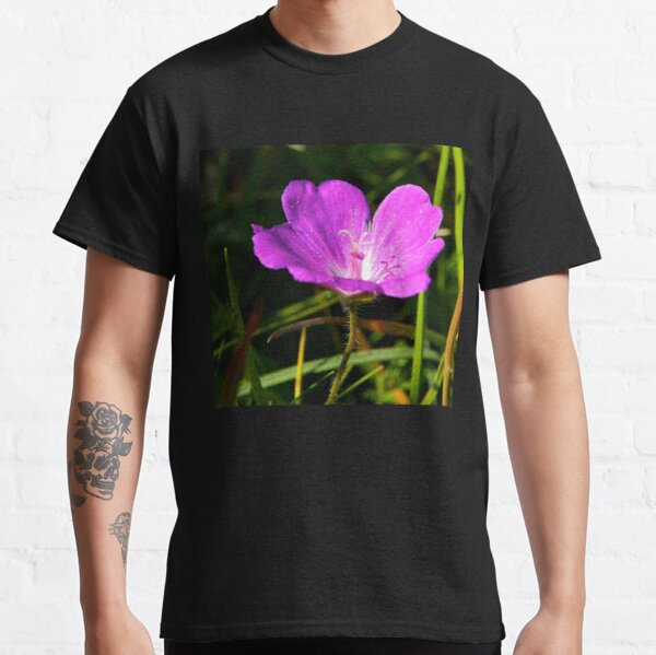 Cranesbill, Dun Eochla, Inishmore, Aran Islands Classic T-Shirt