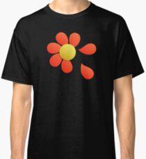 Loves me loves me not Classic T-Shirt