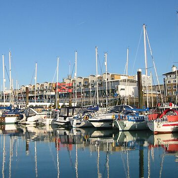 Brighton harbour - October morning by shafryle