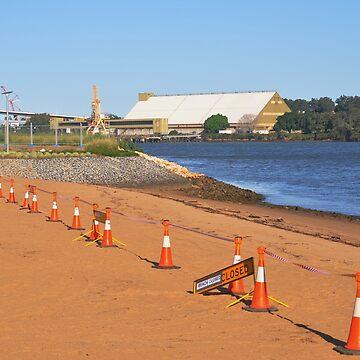 Brisbane River Beach Closed by coirodo