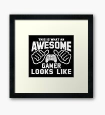 This is What an AWESOME GAMER Looks Like Retro Framed Print