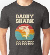 Daddy Shark Doo Doo Doo Vintage Fathers Day Dad Unisex T-Shirt
