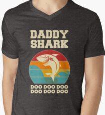 Daddy Shark Doo Doo Doo Vintage Fathers Day Dad Men's V-Neck T-Shirt