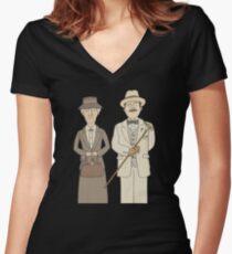 Marple und Poirot Tailliertes T-Shirt mit V-Ausschnitt