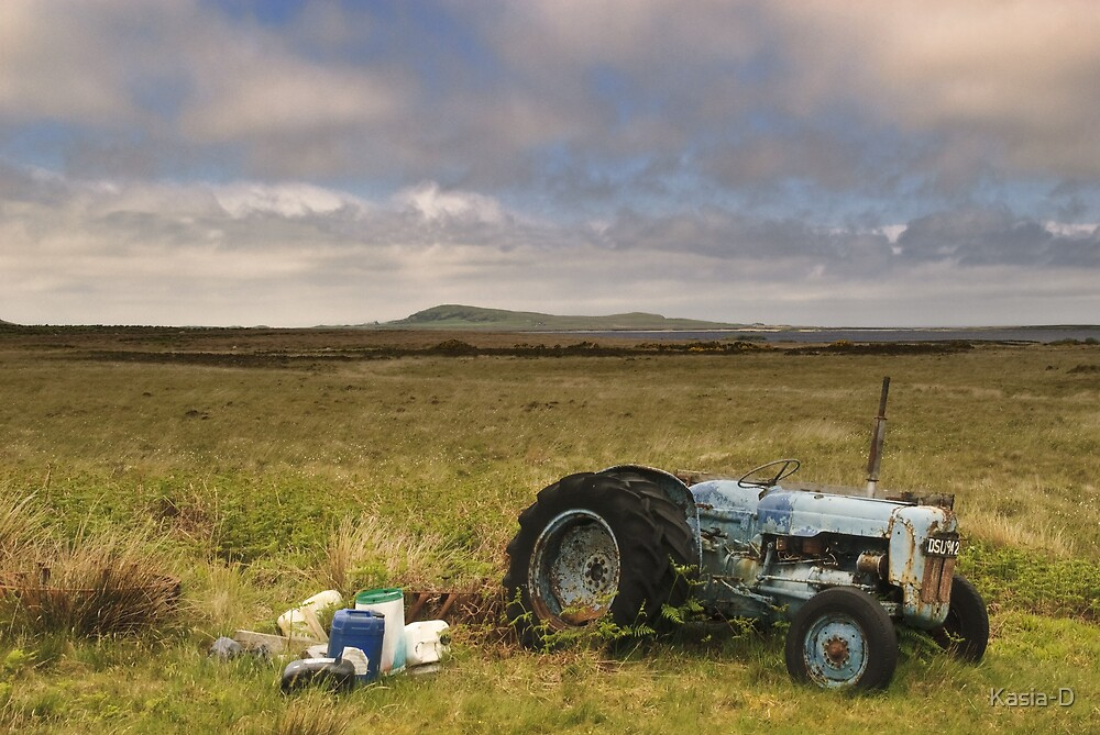Islay: Tractor by Kasia-D