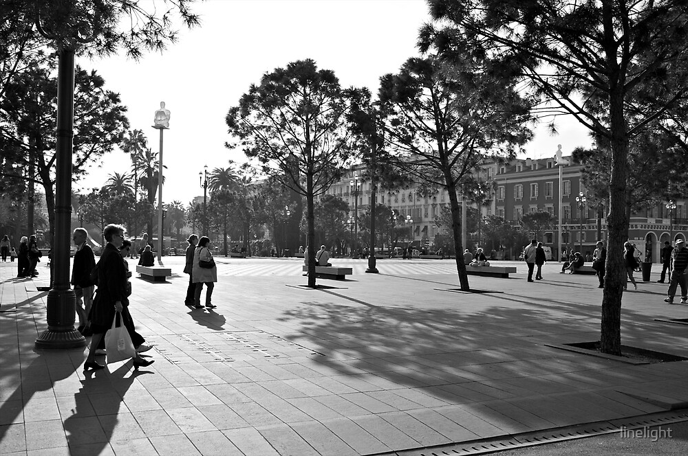 Plaza in Nice, France by linelight