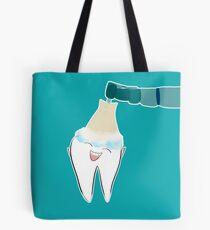 Glückliche zahnmedizinische Reinigung Tote Bag