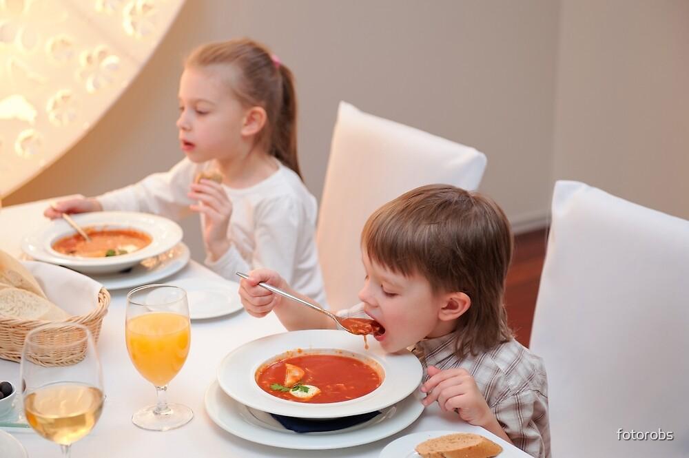 Delicious dinner in restaurant by fotorobs
