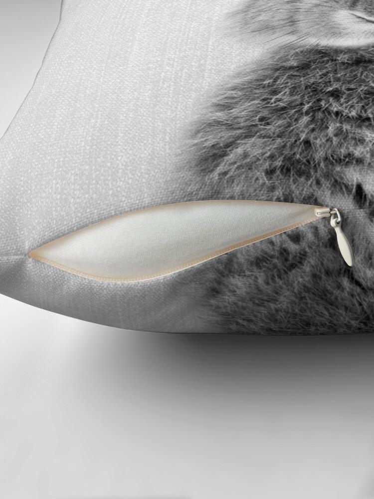 Alternative Ansicht von Kaninchen - Schwarz & Weiß Dekokissen