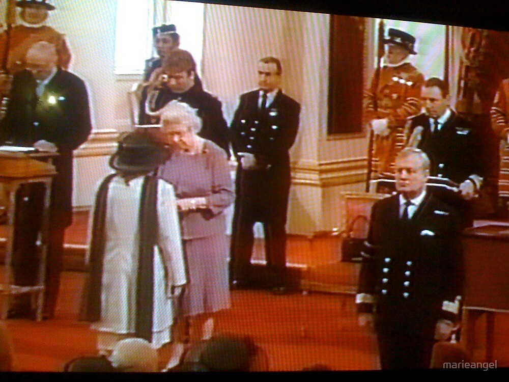 Uniforms at work Presenting MBE QUEEN ELIZABETH OF ENGLAND (HRH)GUARDS by marieangel