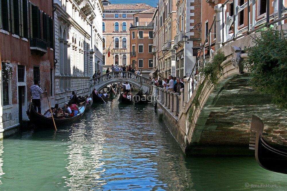 Rush hour on the Canal by imagic