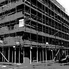 Scaffolding black and white by Richmondie