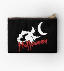 Halloween Hexe auf Besen Studio Clutch