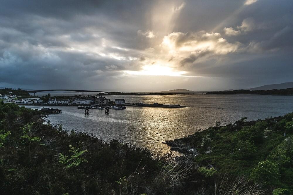 Sunset over Skye Bridge by roamantiker