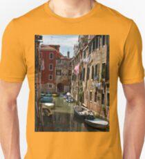 Back street in Venice (2) T-Shirt
