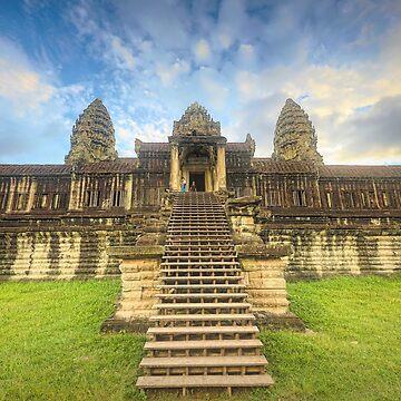 Inside Ankhor Wat by pdore