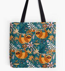 Glückliches Boho-Faultier mit Blumen Tote Bag
