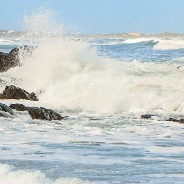 Crashing waves. by DPalmer