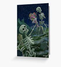 Romantic Valentine Skeletons in Graveyard Grußkarte