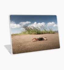 Krabbe am Strand Laptop Skin