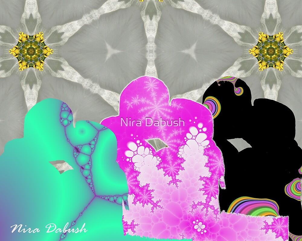 KiSsINGs by Nira Dabush