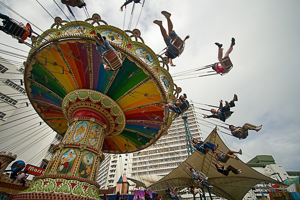 Spinning Fun by Steven  Siow