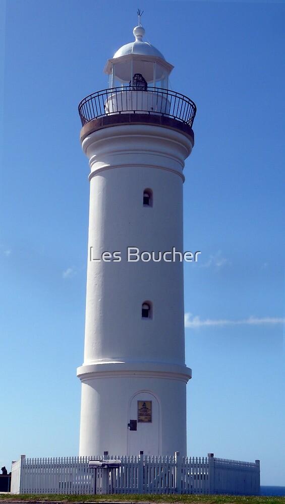 Kiama Light House. by Les Boucher