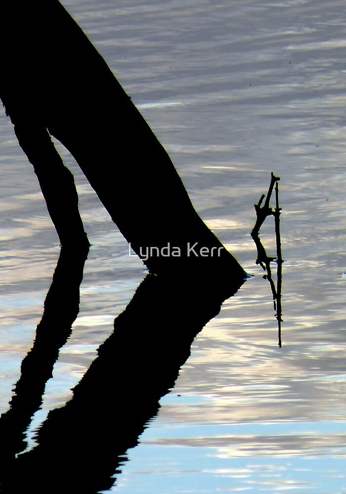 Bend zee Kneez by Lynda Kerr