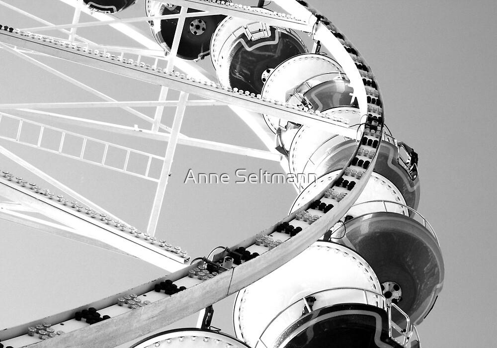 ferris wheel by Anne Seltmann