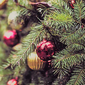 O Christmas Tree by FrankieCat
