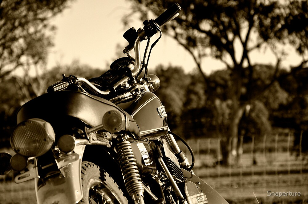 Yamaha RD-350 mid shot by Snaperture