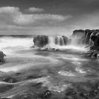 Cairns Bay - Flinders by Jim Worrall