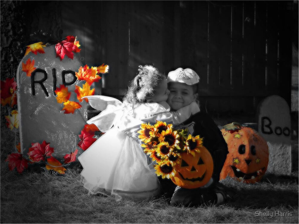 A Halloween Kiss by Shelly Harris