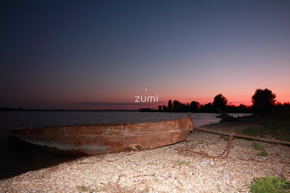 Ashore at dusk by zumi