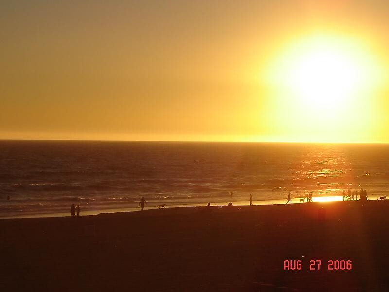 Sunset over Huntington Beach by alberth