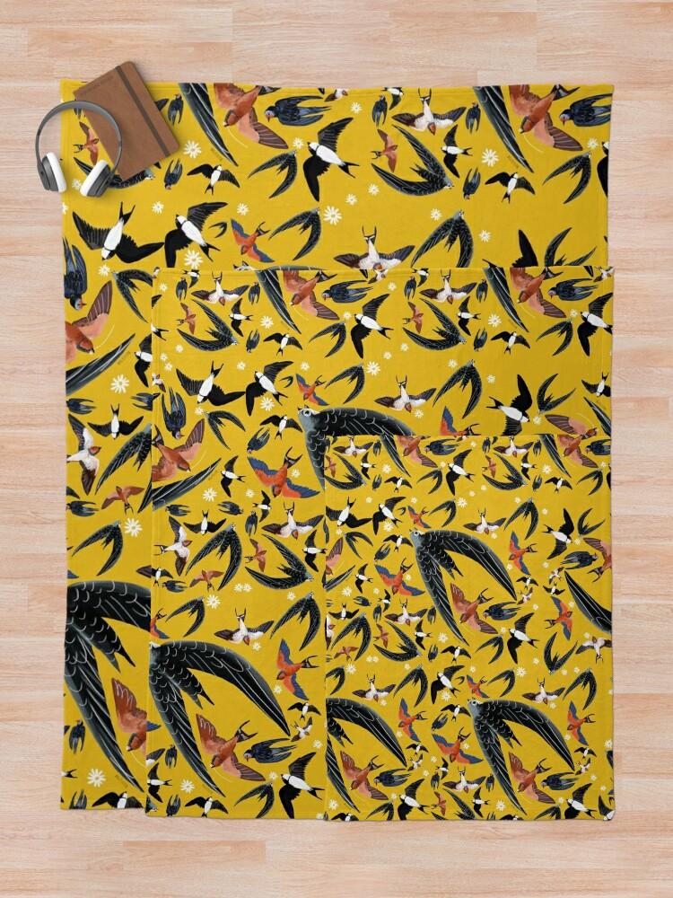 Vista alternativa de Manta Swallows and swift pattern (Yellow)