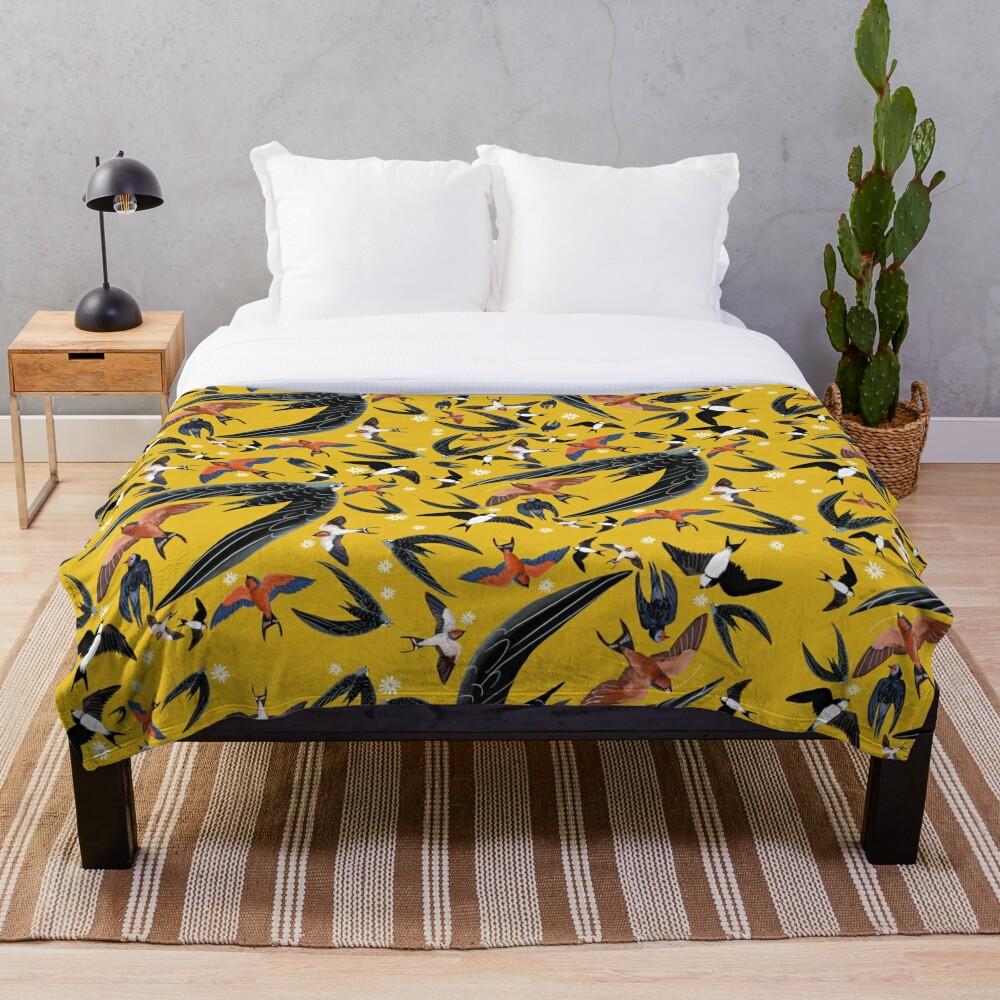Swallows and swift pattern (Yellow) Manta