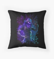 EPIC Fortnite Battle Royale Raven T Shirt Throw Pillow
