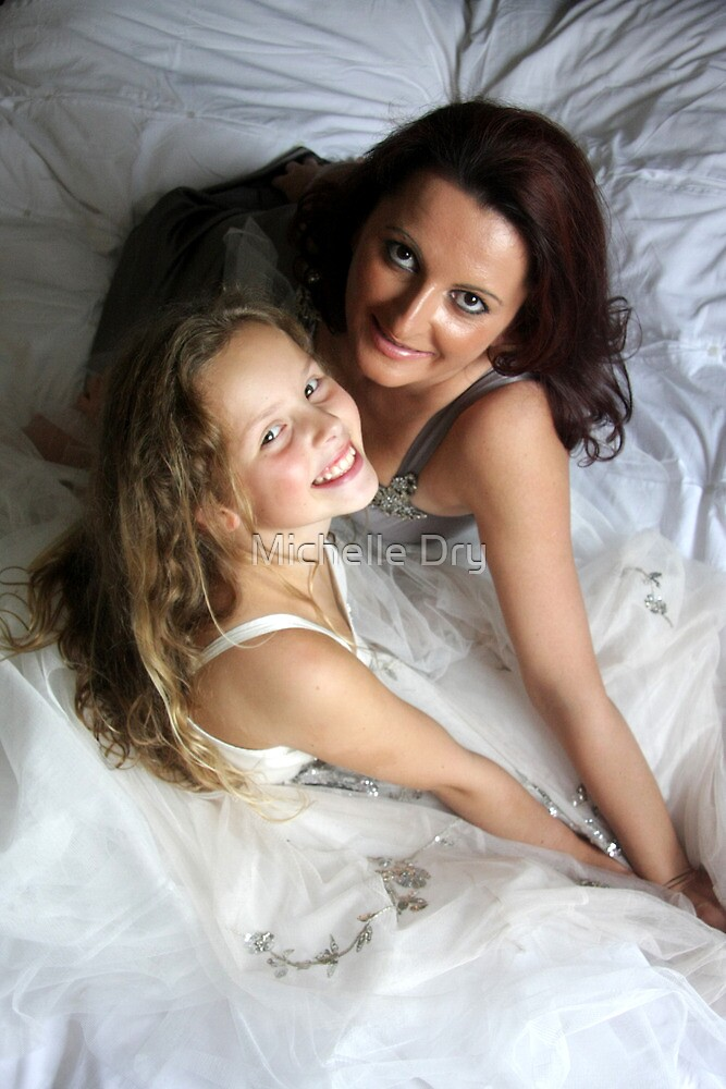Mum and daughter1 by Michelle Dry