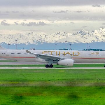 A6-AFE Etihad Airways Airbus A330-343 at Malpensa (MXP / LIMC), Milan, Italy by PhotoStock-Isra