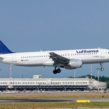 Lufthansa Airbus A320-211 at Malpensa (MXP / LIMC), Milan, Italy by PhotoStock-Isra