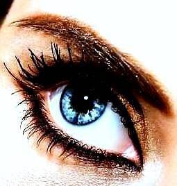 blue eye by Laurenhunt