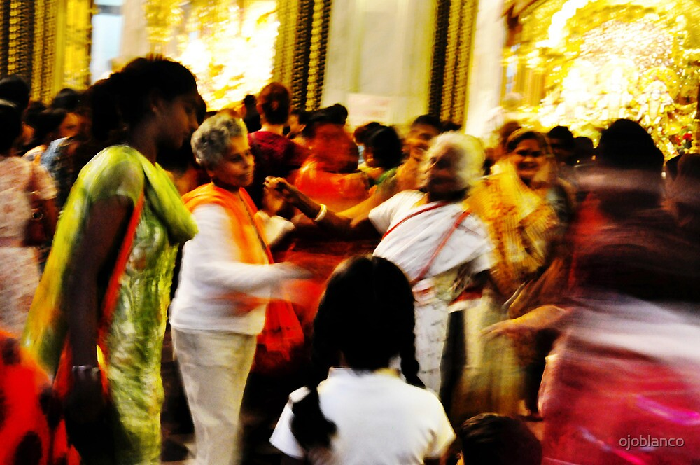 krishna temple, mumbai by ojoblanco