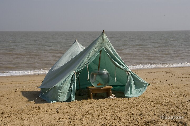 Tent on the Sand by mazsteer