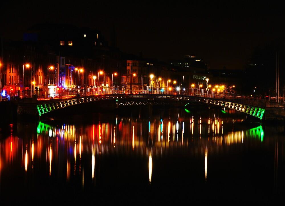 Ha'Penny Bridge by Alan Wright