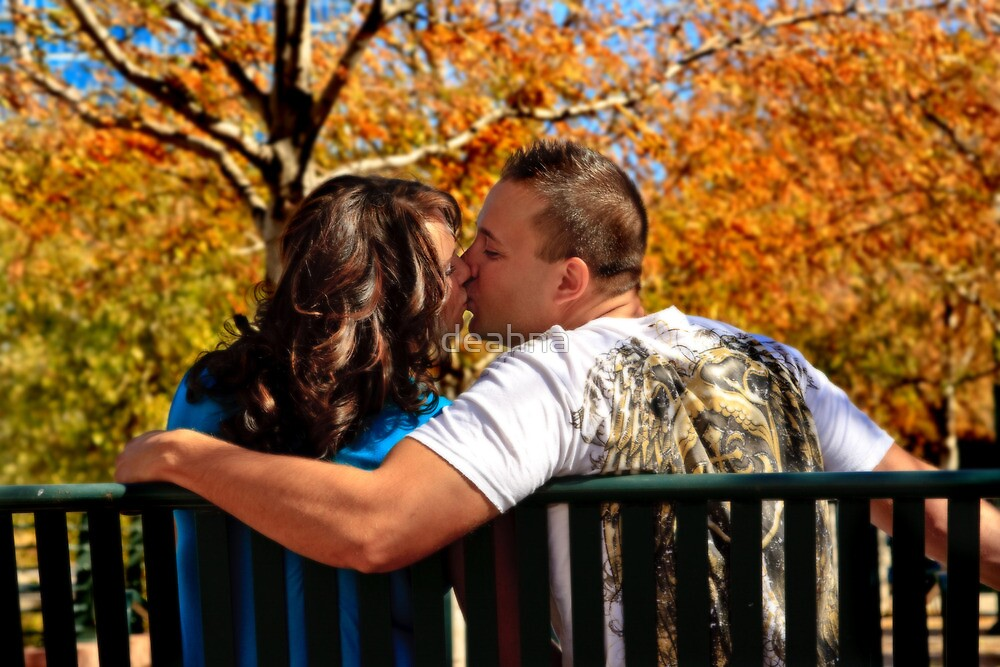 An autumn kiss by deahna