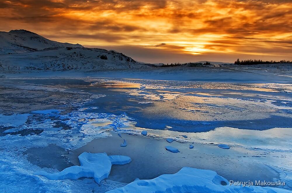 Iceland - Dualism by Patrycja Makowska