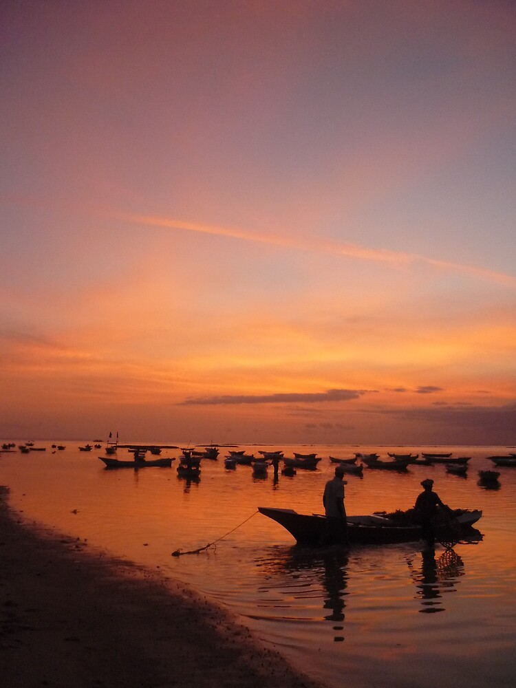 Fishing at dusk - Nusa Lembogen, Indonesia by jonathanmpalmer